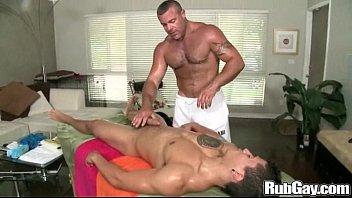 Amateur Gay Massage on Rubgay 5分钟