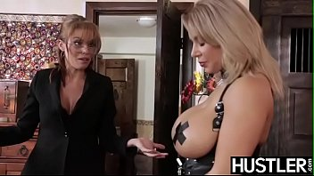Amber vt hustler pics - Irresistible lesbo milf britney amber fingered before toying