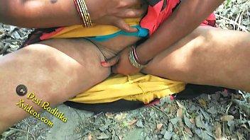 Desi Indian Outdoor Jungle Sex In Saree 11 min