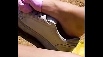 Girlfriend reveals her sweaty feet and slips out of her stinky sneakers, shoeplay stinky socks foot dipping shoeplay