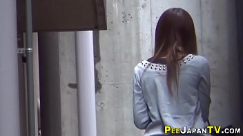 Asians spied gushing piss 10分钟