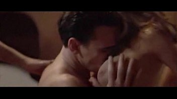 Denise Richards (w Neve Campbell) - Wild Things (3some)