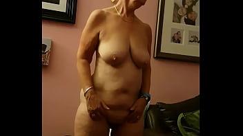 Mrs j stood naked kath jones 4分钟