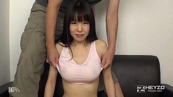 XVIDEO 里中結衣 ノーブラの巨乳お姉さんのおっぱい(里中結衣)