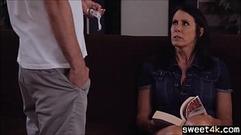 Mom helps Son with measuring a suit porno izle