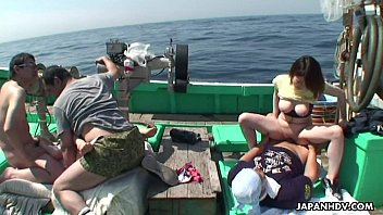 Asian fishermen catch some birds they boat fuck