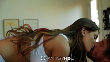 FantasyHD - Canadian babe August Ames strips down to fuck 11分钟