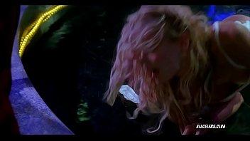 Daryl Hannah - Dancing At The Blue Iguana 4 min