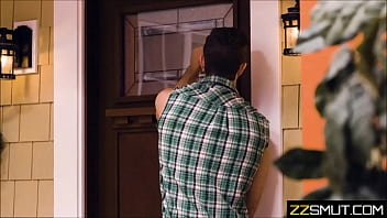 Housewife caught fapping by Handyman