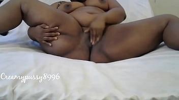 放荡的青少年手淫,直到她获得性交第 3 部分