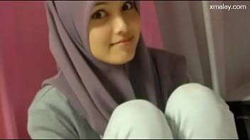 Aksi Gadis Melayu Telanjang