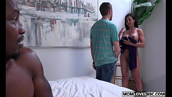 Stepmom Jewels Jade gets fucked by a BBC