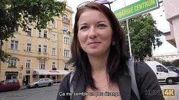 HUNT4K. El aventurero Denisse esta feliz de tener sexo por dinero en Praga