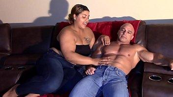 Daughter Sucks Daddy's Dick (Interracial) 11分钟