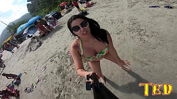 Cybele Pacheco rocking the beach of Pereque in Guaruja
