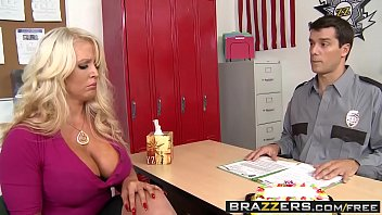 Brazzers - Mommy Got Boobs - Big Boobs Behind Bars scene starring Alura Jenson and Ramon 8分钟