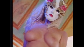 He didn't expect to see his blonde french wife , Lisa Crawford fuck in an orgy 13分钟