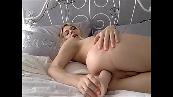 Huge Dildo in her Tight Teen Shemale Ass