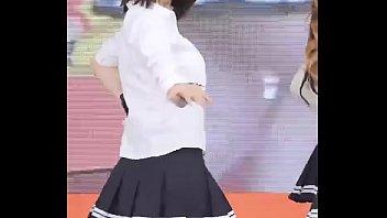 หนังโป้สาวเกาหลีสุดน่ารักใส่กระโปรงสั้นมายืนเต้นจนได้เห็นกางเกงใน