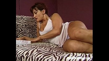Mature Brunette Cunt Anal And Pussy Hammered 26分钟