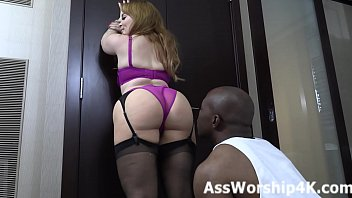 Face sitting domination with Mistress Lily Lane 2分钟