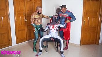 Superman and Aquaman fucking Spiderman