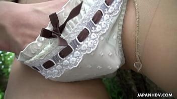 เย็ดสาวญี่ปุ่นกลางป่าเลยบอกเลยว่าเงี่ยนสุดๆ