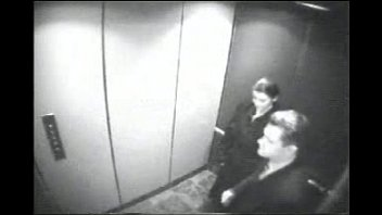 Cam masturbation security video - Mamando verga al jefe en el elevador http://mixdeseo.blogspot.mx/