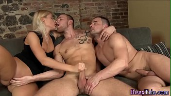 Bisex stud gives blowjob