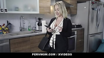 Big Titted Milf Quinn Waters Finds Way To Stimulate Stepson Do His Chores