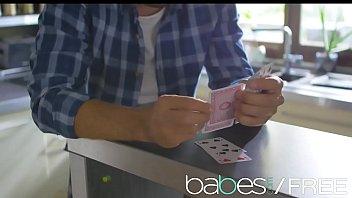 Babes - (Alisha Rage, Iskra, Kristof Cale) - Strip Poker 8 min
