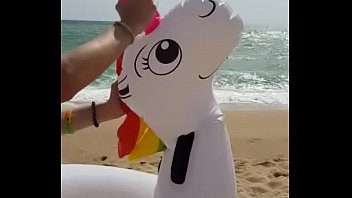 Unicorn is hard a. and had an orgasm by his owner in the beach 15秒