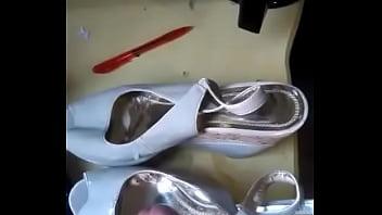 Cheap stripper shoes - Gozando na sandália com chulezinho
