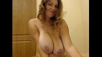 Big Naturals hanging nude milf - Gushcams.com