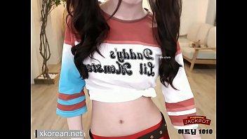 Harley Quinn Cosplay - Busty Teenage Korean Girl