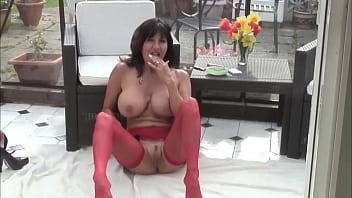 Milf spread her legs wide Part1 - Watch Part2 on FreeMatureCameras.com