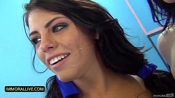 SQUIRTING FUN - HELPING ADRIANA CHECHIK SQUIRT KICKOFFS AN ORGY!