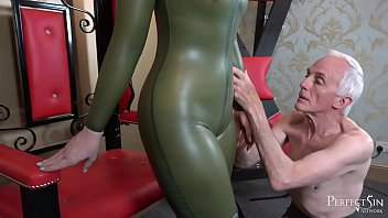 Serve and Worship Me - Vivienne l'Amour Masturbates in Latex Catsuit Thumb