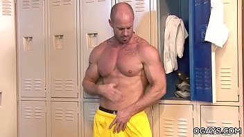 Gay gym man muscular - After burn - mitch vaughn
