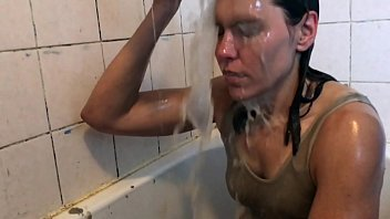 Streaming Video WETLOOK vs WAM Wet Not to Wear for Chocolate Sauce - XLXX.video