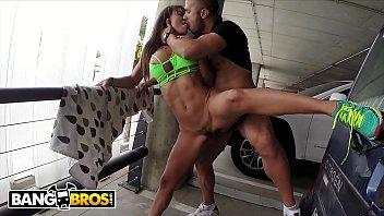 BANGBROS - Filthy Spanish Nympho Franceska Jaimes Gets Fucked In Public Airport Garage!