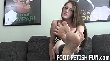I let my slaves worship my feet only if they obey me
