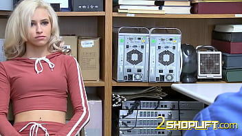 Golden Blondie and Petite Kiara Cole bends over desk of mall cop