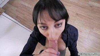 Milf Alessandra Snow hot deep throat thumbnail
