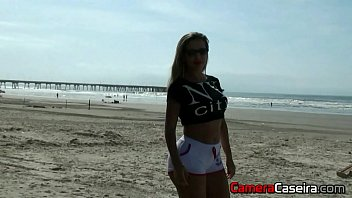 Very Hot Blonde Showing Off on the Beach 92 sec