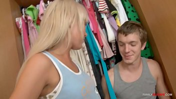 Blonde skiiny sister with fucks brother while cleaning!