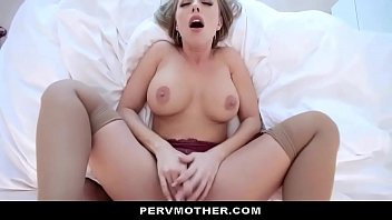 My Hot Stepmom Britney Amber Wants Me To Oil Her Up & Impregnate Her