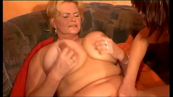 Mature women gets tit fucked