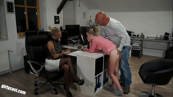 Lia & Kathi - The fucking job interview
