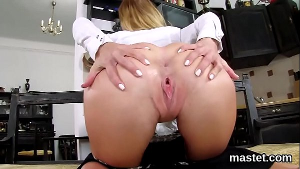 Naughty czech chick stretches her yummy cunt to the special
